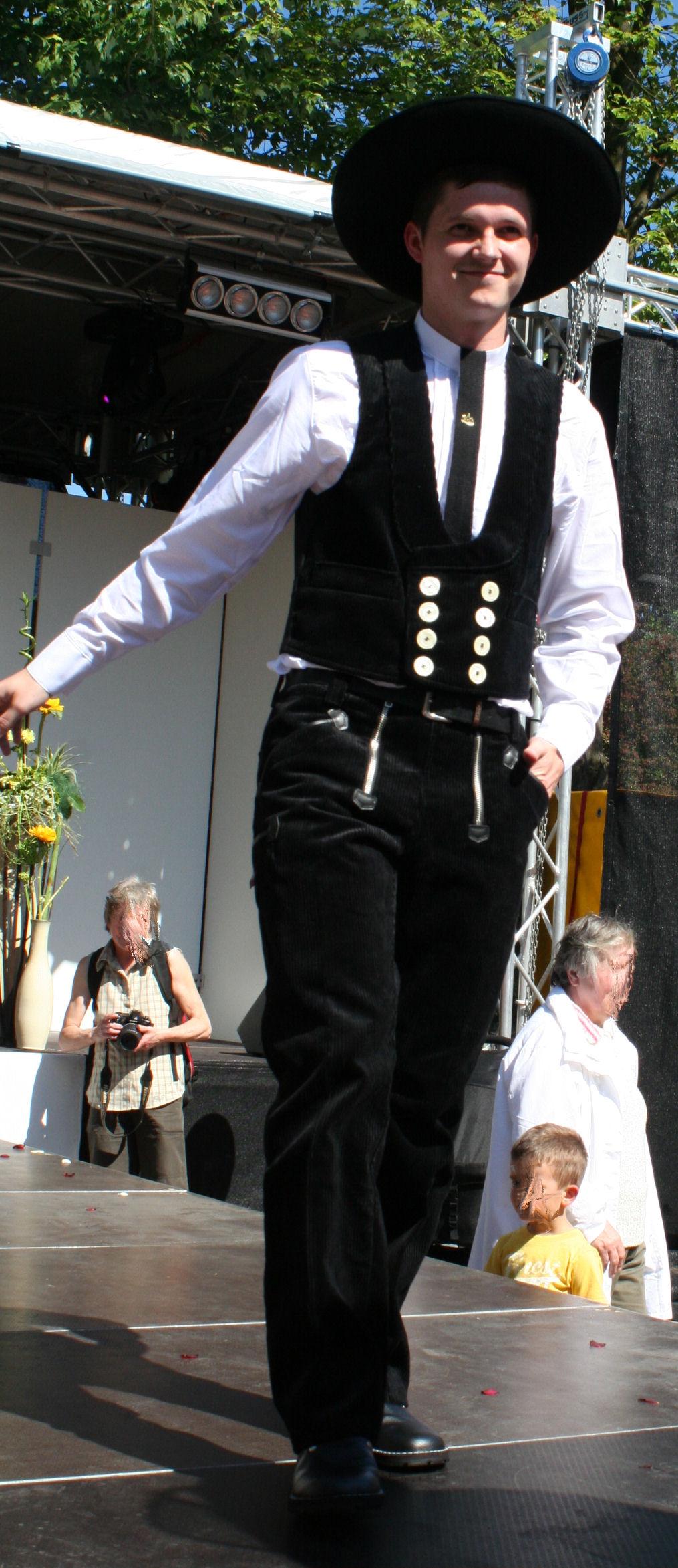 Berufsbekleidung stickliesel for Klassische holzverbindungen zimmermann